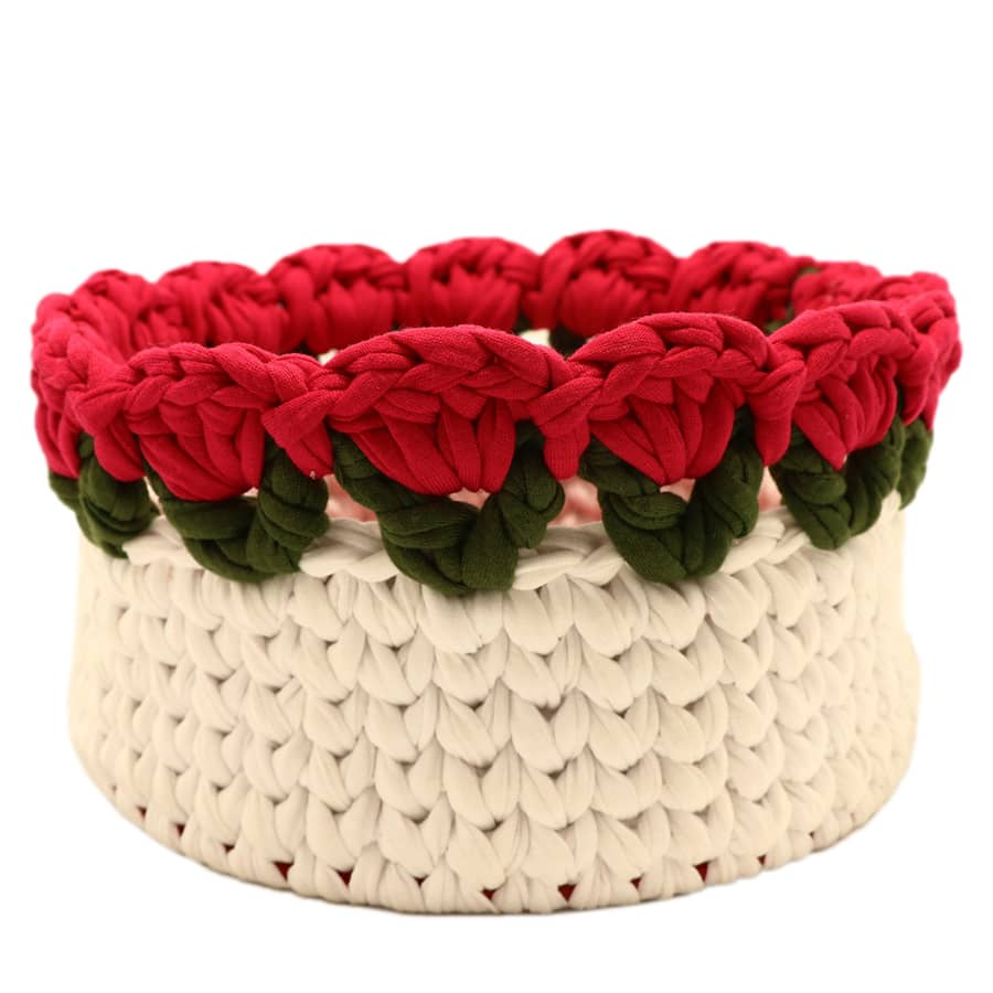 White-flower-basket-with-red-tricot